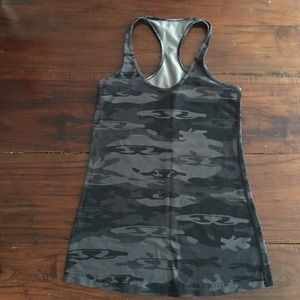 Lululemon fitted camouflage tank.